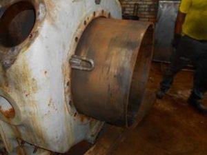 Extracción de camisa deteriorada cilindro Nuovo Pignone