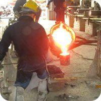 Fundición de hierro gris centrifugado y vaciado por gravedad de clase 40 según la norma ASTM A48.