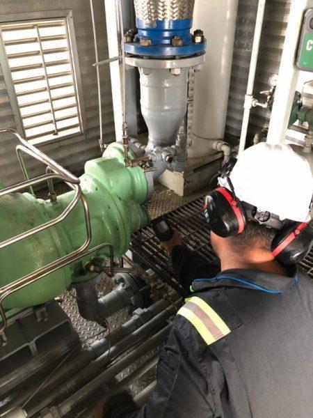 Compresor tornillo Sullair instalado
